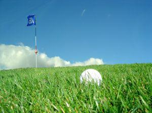 Golfový míček na golfovém hřišti na Floridě