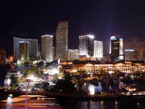 Noční Downtown Miami, Florida