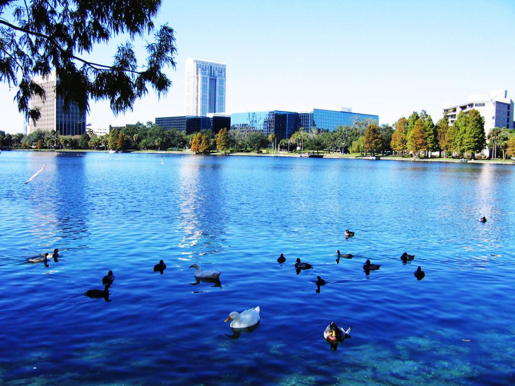Lake Eola park Orlandu