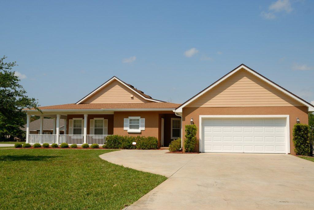nemovitost na floridě, dům s garáží